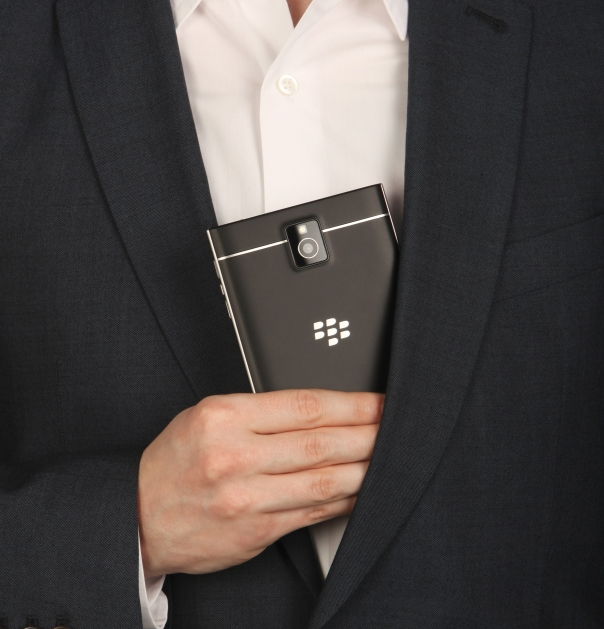 BlackBerry Passport, Passport fits in pocket, pocket, Passport battery life, natural sound